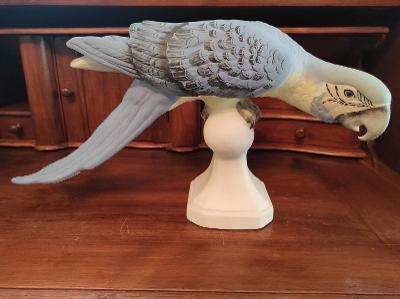Nádherná porcelánová nepoškozená soška - Papoušek RD