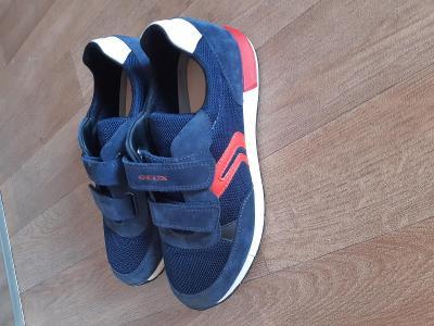 Krásné nové botasky Geox vel.39