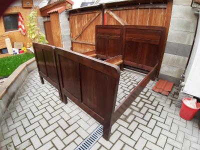 Staré postele k renovaci