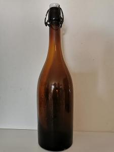 Stará pivní láhev Pivovar pravovarečného měšťanstva v Táboře