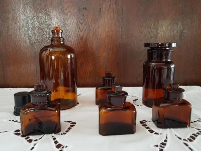stará lékovka - souprava 6 kusů