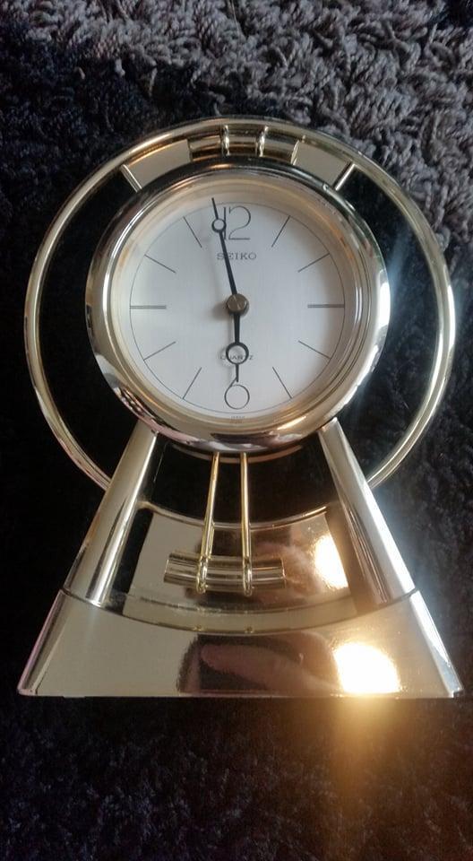 Starší stolní hodiny značky Seiko Quartz - Zařízení