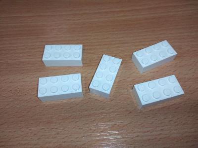 Lego díl 3001- 5ks bílá