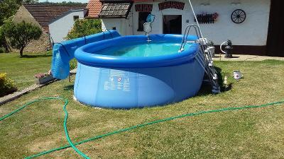 Oválný bazén s nafuk.límcem s komplet.technologií+různé další součásti