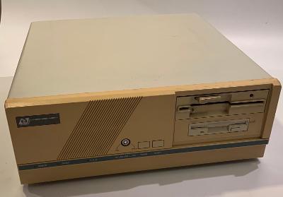 Počítač JZD Slušovice 1989