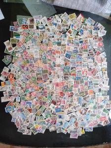 Každá jiná - poštovní známky Bundespost 700 ks