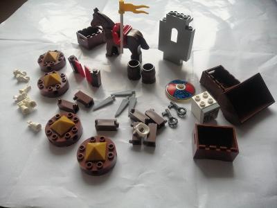 LEGO pirates, castle dílky+kůň