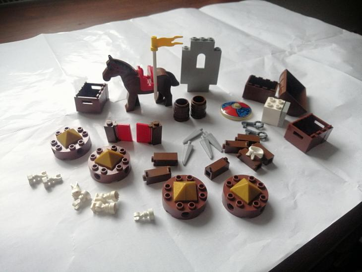 LEGO pirates, castle dílky+kůň - Hračky