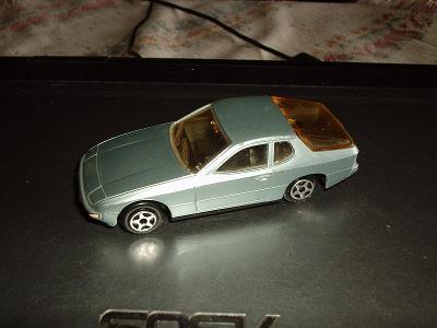 Model Norev 1/43 Porsche 924