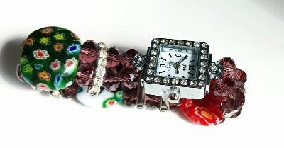Krásné hodinky nové