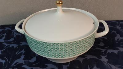 Stará porcelánová mísa na polévku terina.