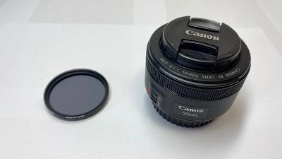 Objektiv Canon 50mm + polarizační filtr