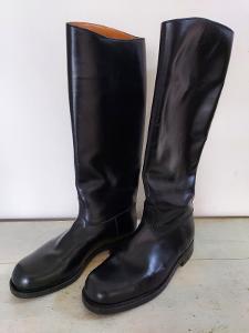 Luxusní nenošené staré vojenské kožené boty holínky v TOP stavu !!!!!!