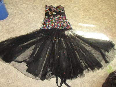 pěkné třpitivé šaty GRACE KARIN