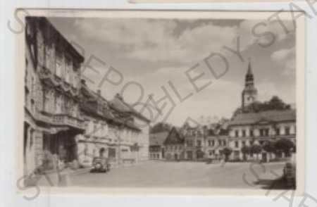 Děčín, Chřibská, náměstí, automobil