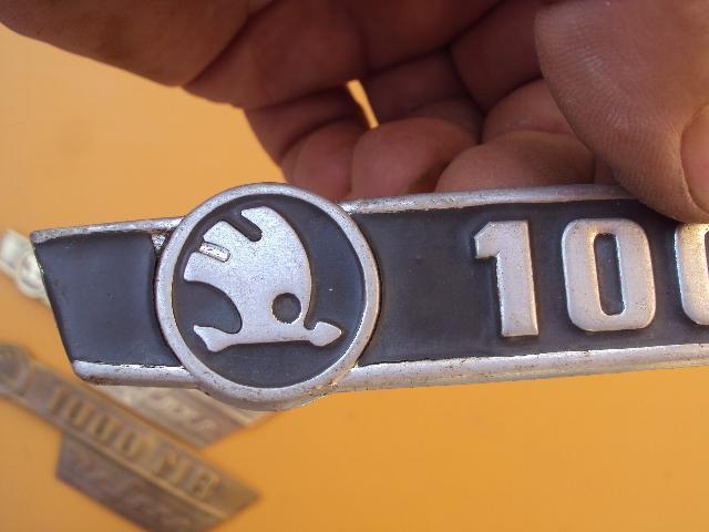 Škoda 1000MB znak zadni kapoty    original  - Příslušenství k veteránům