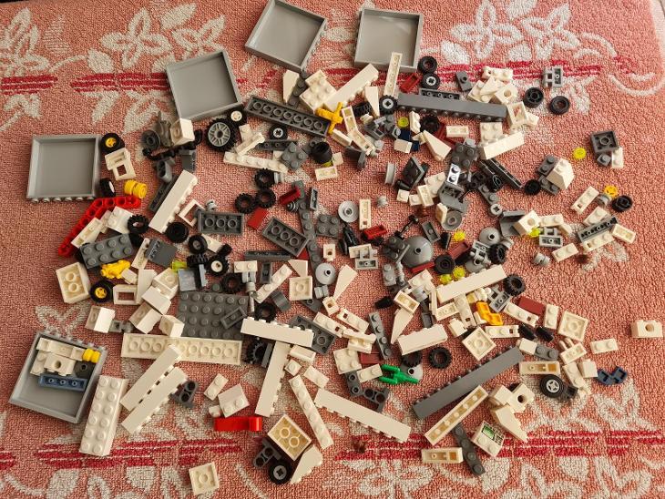 Lego díly  - Hračky