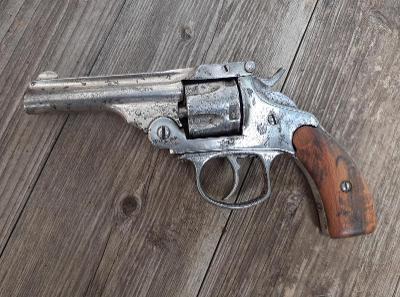Historický revolver