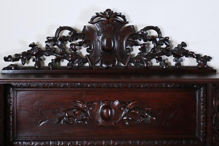 Starožitný lovecký bufet ze zámku - Starožitnosti