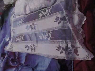 záclona nová  jemný vzorek