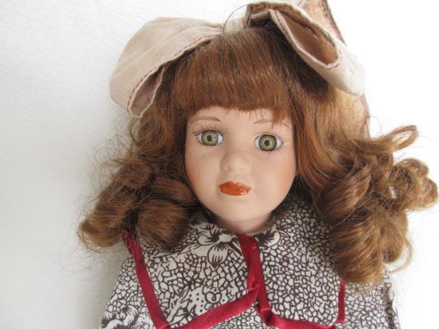 Sběratelská panenka  sedící. - Ostatní