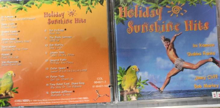 CD  HOLIDAY SUNSHINE HITS ( ORANŽOVÁ ) - Hudba