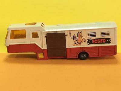 """karavan s přepravou koní """"Rodeo""""- Majorette 1/60 (M17-m10)"""
