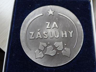 ČS. SPARTAKIÁDA 1975 - velká kovová oboustranná plaketa