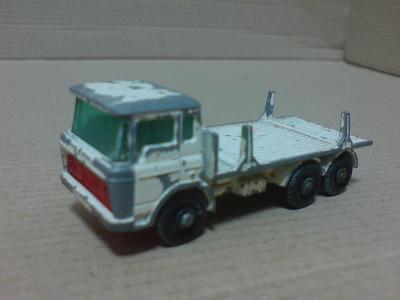MB58-DAF Girder Truck
