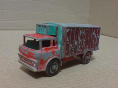 MB44-G.M.C. Refrigerator Truck