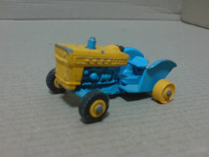 MB39-Ford Tractor - Modelářství