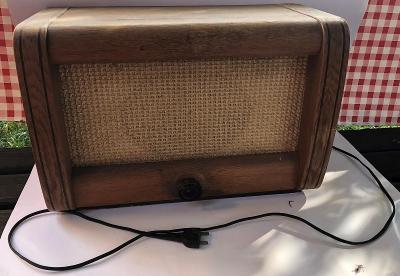 Staré rádio z roku 1959