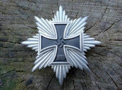 ZELEZNY KRIZ - EISERNES KREUZ - HVEZDA - III RISE - NEMECKO