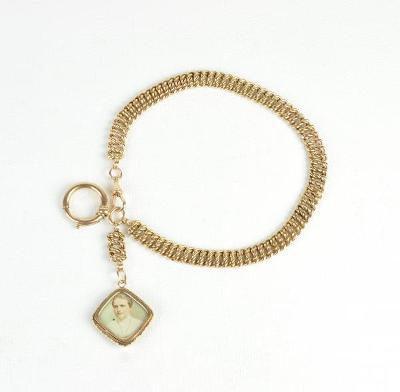 Zlatý řetěz k hodinkám