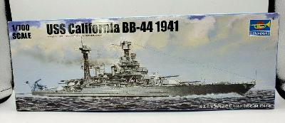 USS California BB-44 1941 - 1:700 plastikový model U.S. bitevní lodě.