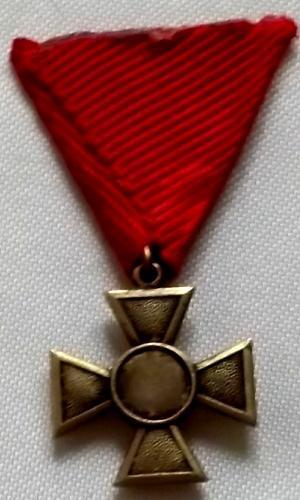 Kříž s Monogramem Císaře 1.Světová Válka 1914-1918 bronz - Faleristika