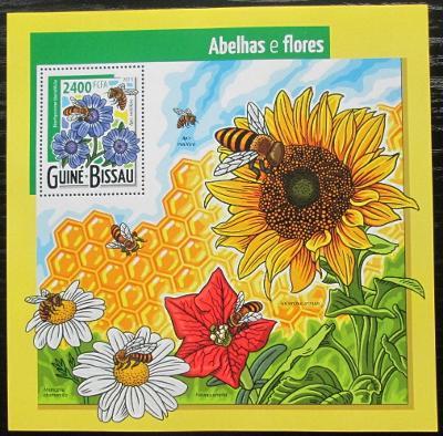 Guinea-Bissau 2015 Včely a květiny Mi# Block 1378 Kat 9€ 2463