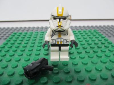 LEGO STAR WARS  figurka  128a - Clone Trooper Ep.3, Yellow