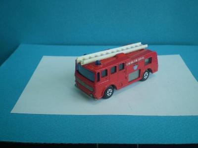 MATCHBOX -   35 MERRYWEATHER FIRE ENGINE   - ENGLAND