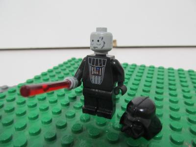 Lego figurka Star Wars 117 - Darth Vader with Light-Up Lightsaber