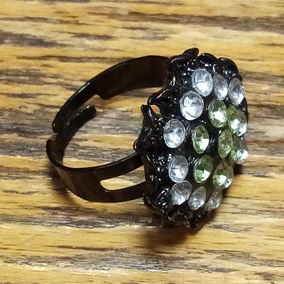 Prsten 18 mm, kov a sklo