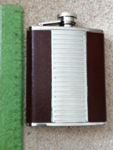 Placatka Flask nerez/kůže top stav v původní krabičce