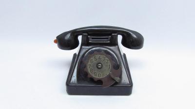 RETRO TELEFON KASIČKA SMĚR IGRA BAKELIT