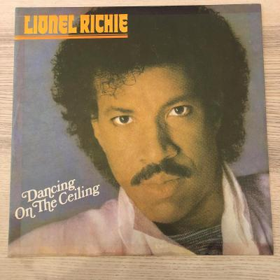 Lionel Richie – Dancing On The Ceiling