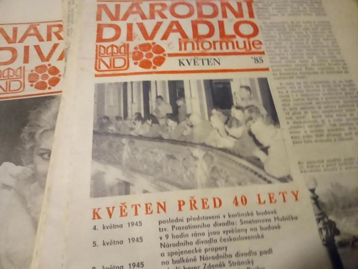 **62 x narodní divadlo - informačni zpravodaj - noviny - darek - Knihy