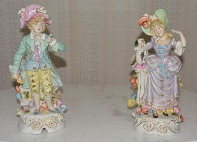 Zámecké porcelánové sochy-Pán s dámou