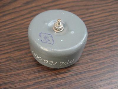 Starý nepoužitý ruský kondenzátor CCCP