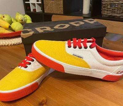 Nové tenisky Cropp. Velikost 43