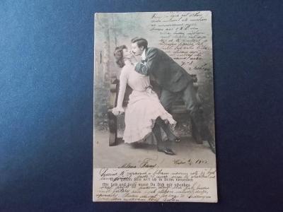 Starší umělecká pohlednice dívka žena muž erotika láska Polibek DA