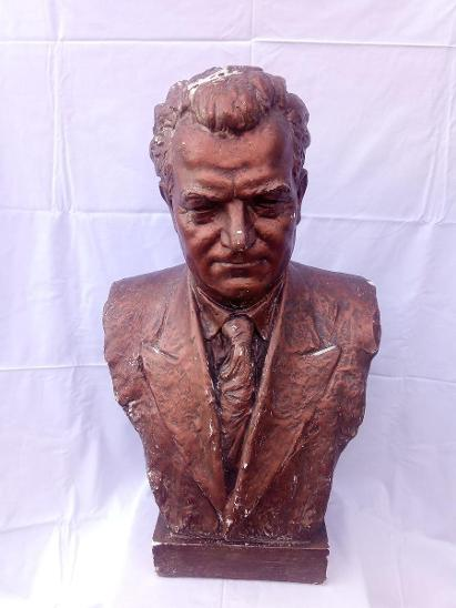 Gottwald Klement - velká busta, 73cm, 11kg.  - Starožitnosti